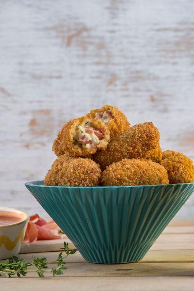 Croquetas de jamón serrano y queso philadelphia