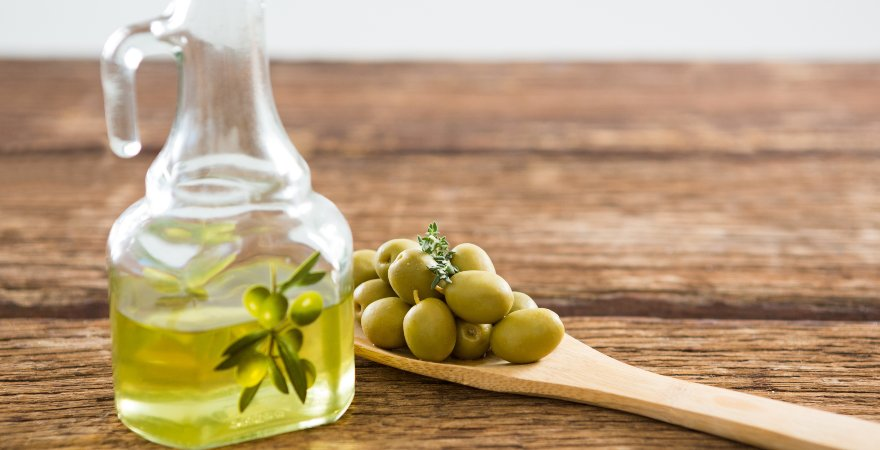 Conoce las propiedades de consumir aceite de oliva en ayunas
