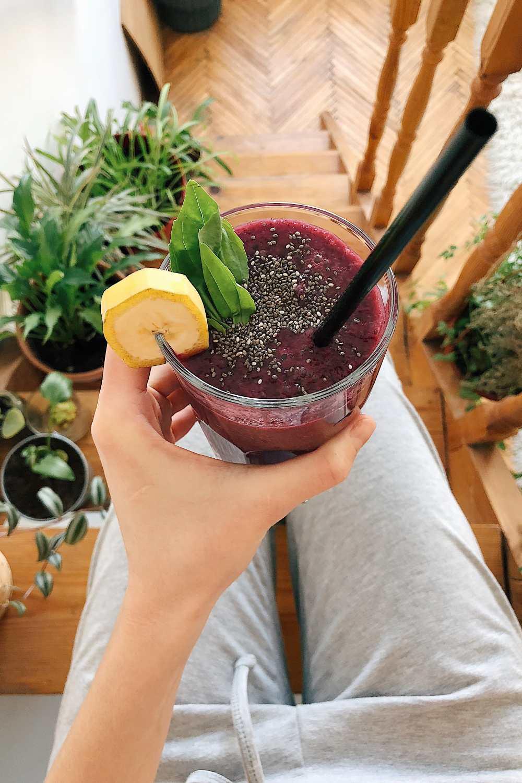 Detox: Batido con aceite de oliva y frutos rojos.