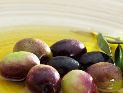 Tipos de nutrientes que aporta el aceite de oliva en tu organismo